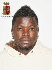 http://www.ragusanews.com//immagini_articoli/14-04-2017/droga-minori-arrestato-senegalese-richiedente-asilo-240.jpg