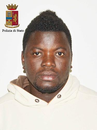 http://www.ragusanews.com//immagini_articoli/14-04-2017/droga-minori-arrestato-senegalese-richiedente-asilo-500.jpg