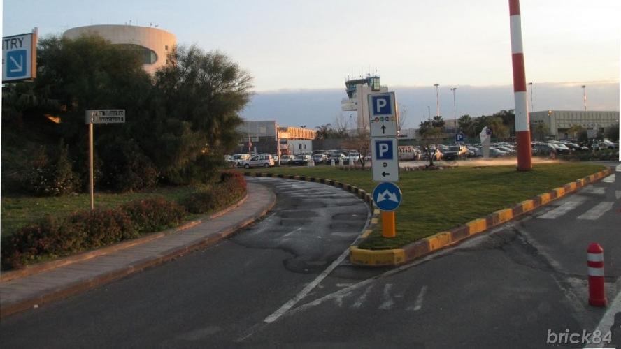 https://www.ragusanews.com//immagini_articoli/14-04-2017/parcheggi-aeroporto-catania-tariffe-500.jpg