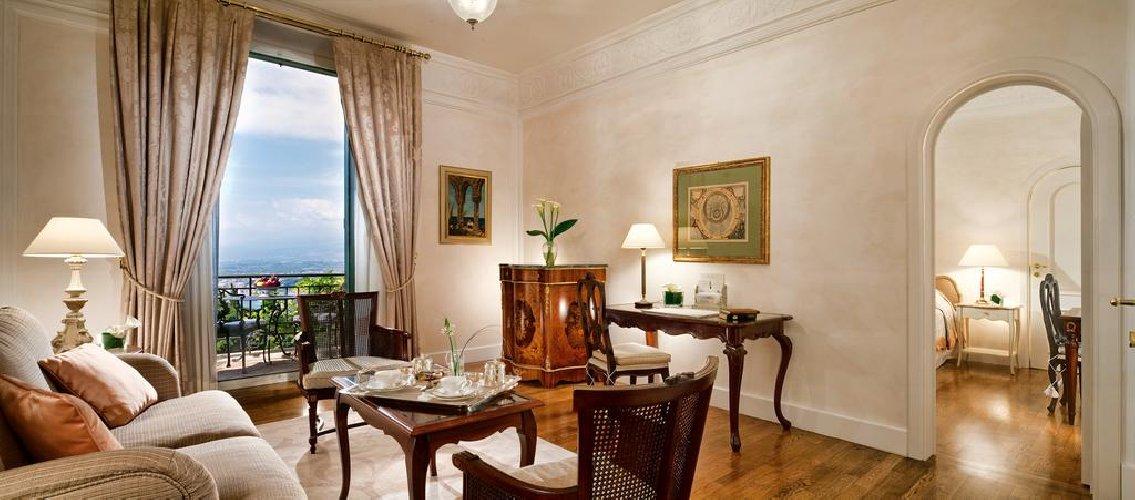 https://www.ragusanews.com//immagini_articoli/14-04-2018/2018-crescita-sicilia-hotel-timeo-aperto-natale-500.jpg