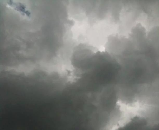 https://www.ragusanews.com//immagini_articoli/14-04-2019/ragusa-lunedi-15-aprile-piove-buona-pasqua-a-500.png