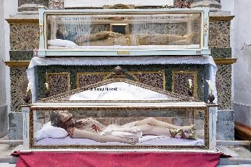 https://www.ragusanews.com//immagini_articoli/14-04-2020/1586872524-antonino-lo-monachello,-artista-e-contemplativo-1-240.jpg