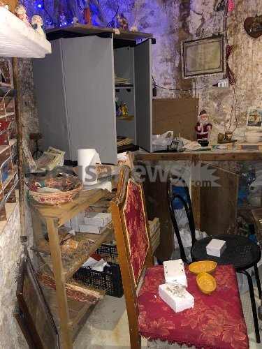 https://www.ragusanews.com//immagini_articoli/14-04-2021/1618420517-vandali-nella-notte-delle-cento-scale-a-scicli-1-500.jpg