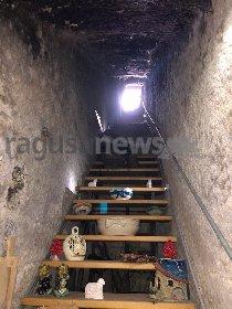 https://www.ragusanews.com//immagini_articoli/14-04-2021/vandali-nella-notte-delle-cento-scale-a-scicli-280.jpg