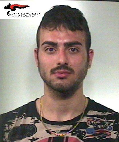 https://www.ragusanews.com//immagini_articoli/14-05-2018/spaccio-cocaina-arresti-pozzallo-500.jpg