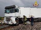 https://www.ragusanews.com//immagini_articoli/14-05-2019/autostrada-siracusa-rosolini-tir-finisce-di-traverso-traffico-in-tilt-100.jpg