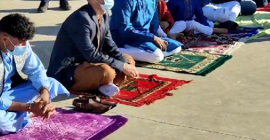 https://www.ragusanews.com//immagini_articoli/14-05-2021/1620985489-ramadan-folla-di-fedeli-in-piazza-polemica-sterile-in-rete-foto-video-4-280.jpg