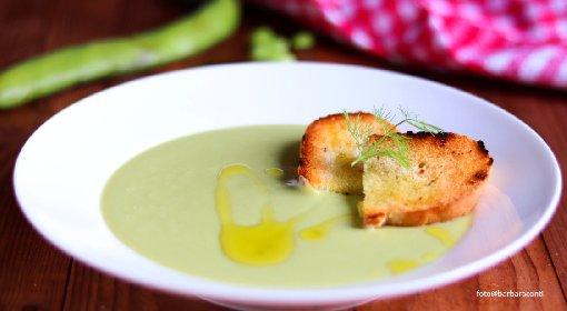 https://www.ragusanews.com//immagini_articoli/14-05-2021/il-macco-di-fave-fresche-la-ricetta-della-cucina-povera-siciliana-280.jpg