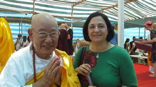https://www.ragusanews.com//immagini_articoli/14-05-2021/il-monaco-buddista-bisognoso-di-cure-presto-cittadino-italiano-280.jpg