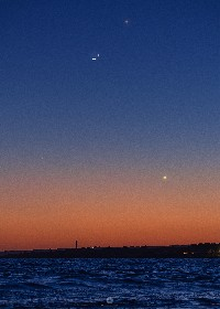 https://www.ragusanews.com//immagini_articoli/14-05-2021/luna-e-mercurio-si-incontrano-a-marina-di-modica-280.jpg