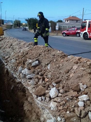 http://www.ragusanews.com//immagini_articoli/14-06-2016/perdita-di-gas-a-marina-intervengono-i-vigili-del-fuoco-500.jpg