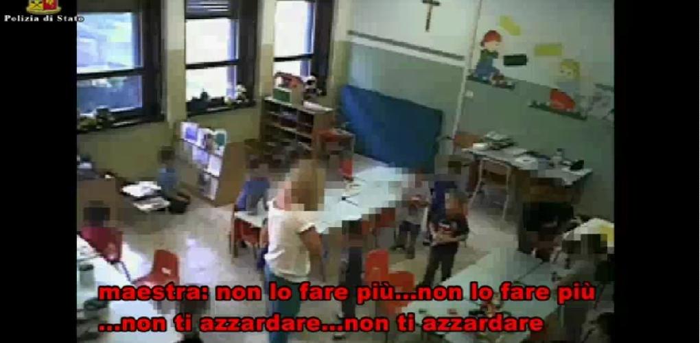 http://www.ragusanews.com//immagini_articoli/14-06-2017/video-maltrattamenti-allasilo-comunale-modica-500.jpg