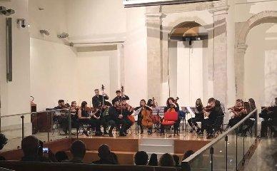 https://www.ragusanews.com//immagini_articoli/14-06-2018/concerto-archi-museo-musicale-240.jpg