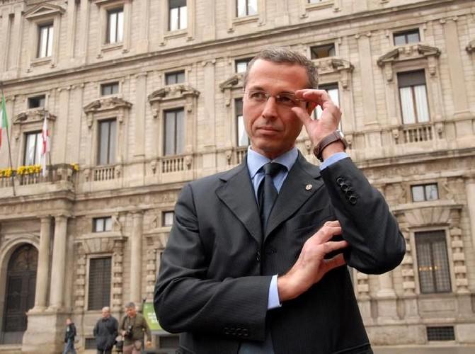 https://www.ragusanews.com//immagini_articoli/14-06-2020/milano-ex-assessore-della-giunta-moratti-arrestato-per-stupro-500.jpg