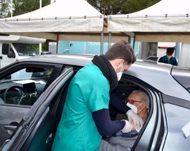 https://www.ragusanews.com//immagini_articoli/14-06-2021/covid-sicilia-angosce-e-raccomandazioni-paralizzano-la-campagna-vaccinale-500.jpg