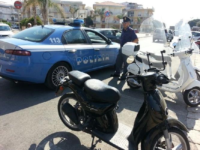 http://www.ragusanews.com//immagini_articoli/14-07-2014/movida-a-marina-di-ragusa-tre-denunciati-per-rissa-500.jpg
