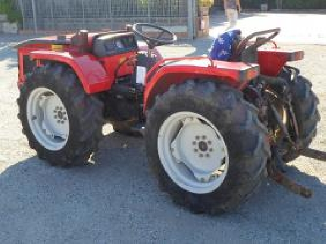 http://www.ragusanews.com//immagini_articoli/14-07-2014/scoperto-traffico-di-trattori-rubati-500.jpg