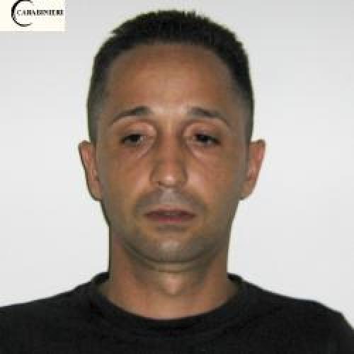 http://www.ragusanews.com//immagini_articoli/14-07-2015/droga-arrestato-luigi-iozia-500.jpg