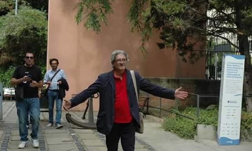 https://www.ragusanews.com//immagini_articoli/14-07-2015/e--morto-vincenzo-rizza-funzionario-al-turismo-del-comune-di-noto-500.jpg