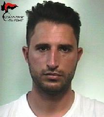 http://www.ragusanews.com//immagini_articoli/14-07-2017/mezzo-chilo-hashish-casa-arrestato-vincenzo-cultraro-240.jpg