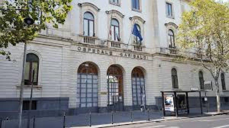 https://www.ragusanews.com//immagini_articoli/14-07-2018/catania-licenziato-piazza-ordigno-esplosivo-ospedale-garibaldi-500.jpg