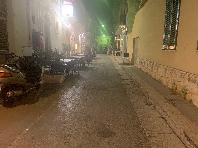 https://www.ragusanews.com//immagini_articoli/14-07-2019/1563108981-sindaco-cassi-chiuda-via-vespucci-ad-auto-e-moto-a-marina-1-500.jpg