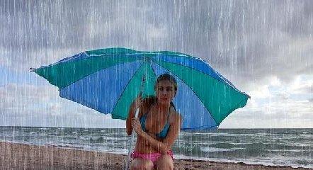 https://www.ragusanews.com//immagini_articoli/14-07-2019/arriva-la-pioggia-in-sicilia-240.jpg