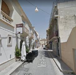 https://www.ragusanews.com//immagini_articoli/14-07-2019/sindaco-cassi-chiuda-via-vespucci-ad-auto-e-moto-a-marina-240.png