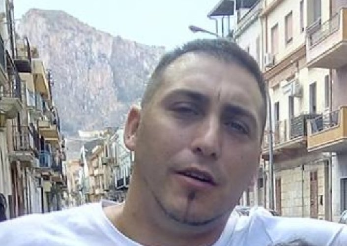 https://www.ragusanews.com//immagini_articoli/14-07-2019/stava-postando-un-video-su-facebook-il-padre-bimbo-morto-in-autostrada-500.jpg