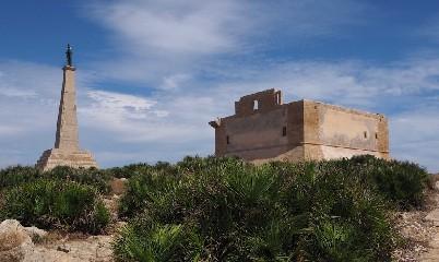 https://www.ragusanews.com//immagini_articoli/14-07-2020/colapesce-il-mito-rivive-nella-fortezza-spagnola-di-capo-passero-240.jpg