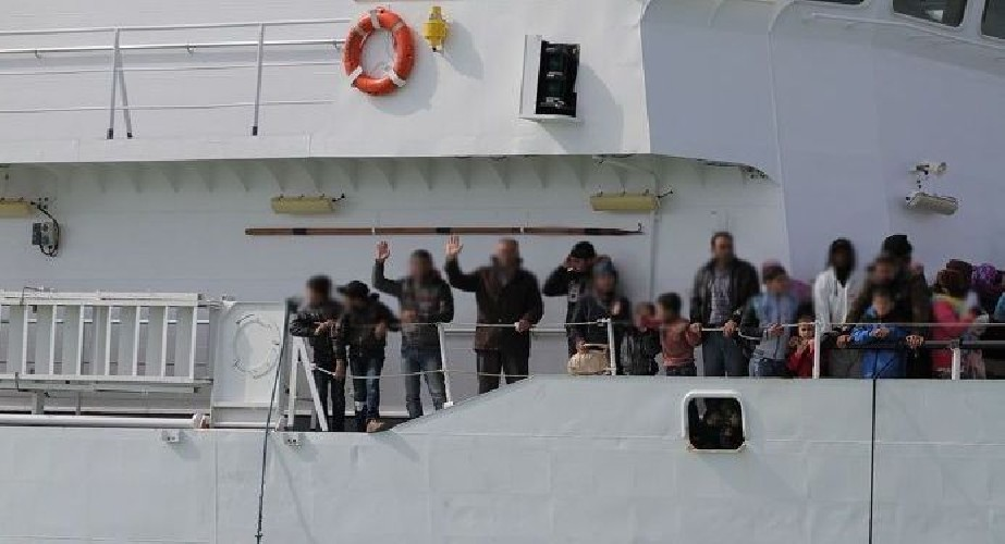 https://www.ragusanews.com//immagini_articoli/14-07-2020/pozzallo-11-migranti-positivi-al-coronavirus-500.jpg