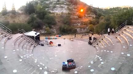 https://www.ragusanews.com//immagini_articoli/14-07-2020/teatro-a-modica-torna-pippo-pattavina-con-amori-di-sicilia-240.jpg