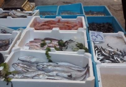 https://www.ragusanews.com//immagini_articoli/14-07-2021/pozzallo-sequestrato-un-quintale-di-pesce-non-tracciato-280.jpg