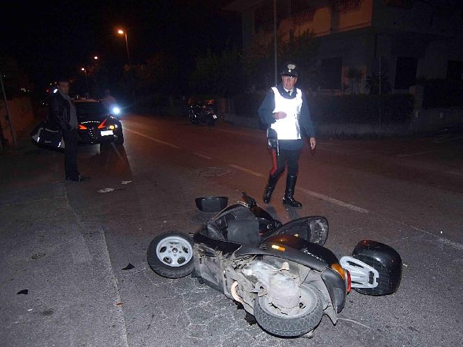 http://www.ragusanews.com//immagini_articoli/14-08-2014/scontro-sulla-scicli-donnalucata-19enne-in-coma-500.jpg