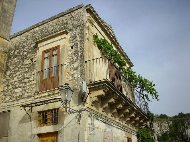 http://www.ragusanews.com//immagini_articoli/14-08-2014/siti-culturali-chiusi-a-modica-a-ferragosto-500.jpg
