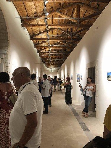 https://www.ragusanews.com//immagini_articoli/14-08-2018/1534319374-fotografia-gianni-mania-contesto-fotografico-siciliano-1-500.jpg