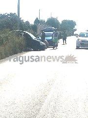 https://www.ragusanews.com//immagini_articoli/14-08-2018/incidente-costa-carro-ferita-donna-240.jpg