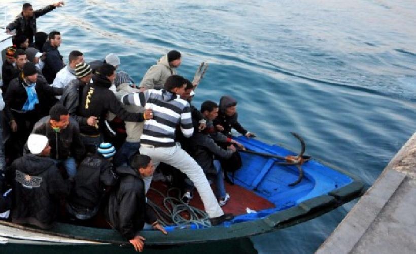 http://www.ragusanews.com//immagini_articoli/14-09-2015/egiziano-tenta-tre-volte-di-introdursi-clandestinamente-in-italia-500.jpg