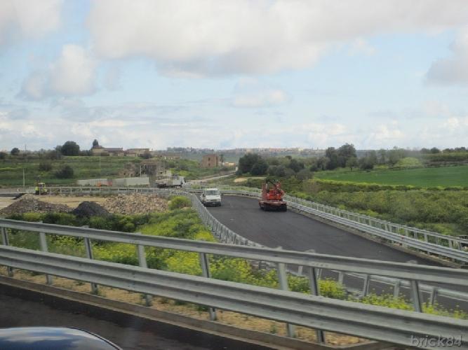 http://www.ragusanews.com//immagini_articoli/14-09-2017/autostrada-siracusagela-ripresi-lavori-lotti-500.jpg