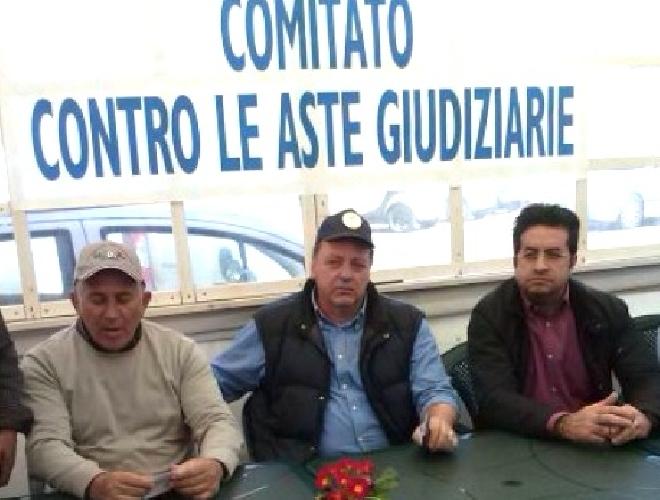 http://www.ragusanews.com//immagini_articoli/14-09-2017/case-allasta-domani-forconi-ragusa-500.jpg