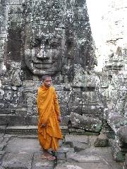 http://www.ragusanews.com//immagini_articoli/14-09-2017/sentieri-buddha-mostra-melo-minnella-240.jpg