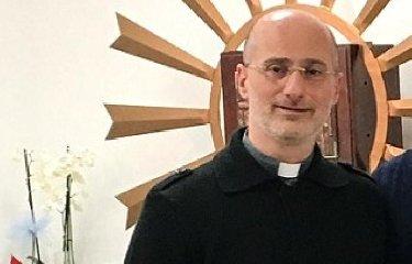 https://www.ragusanews.com//immagini_articoli/14-09-2019/sicilia-adolescenti-picchiano-sacerdote-dopo-essere-stati-rimproverati-240.jpg