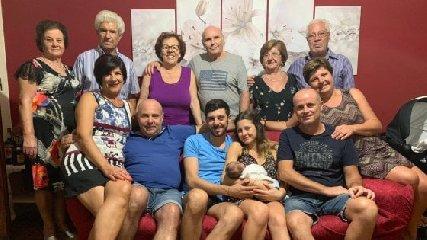 https://www.ragusanews.com//immagini_articoli/14-09-2019/sicilia-neonato-ha-13-nonni-240.jpg