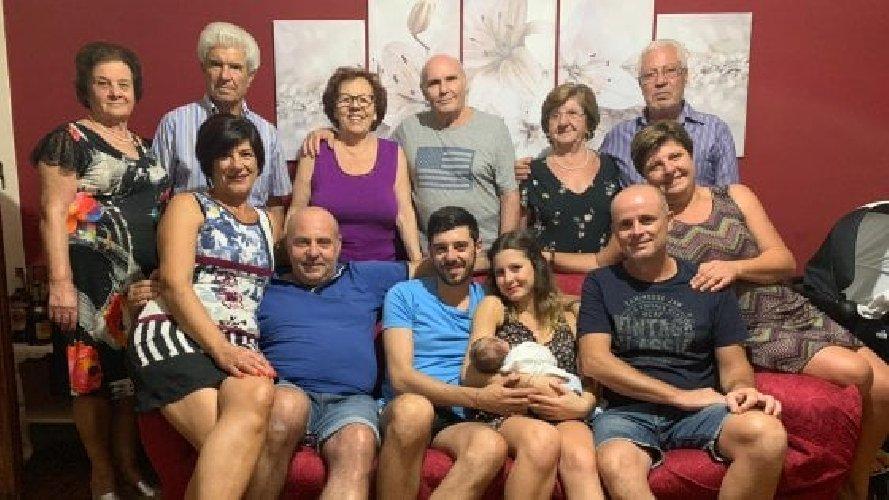https://www.ragusanews.com//immagini_articoli/14-09-2019/sicilia-neonato-ha-13-nonni-500.jpg