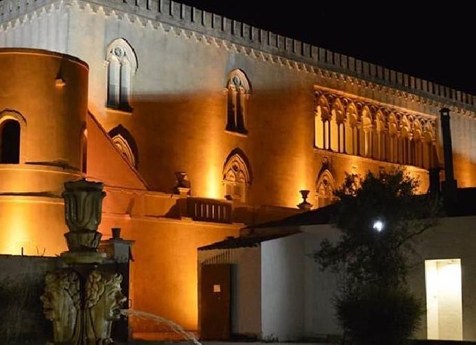 https://www.ragusanews.com//immagini_articoli/14-09-2020/festival-lirico-dei-teatri-di-pietra-a-donnafugata-500.jpg