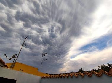 https://www.ragusanews.com//immagini_articoli/14-09-2021/1631601884-la-strega-la-medusa-e-altri-disegni-delle-nuvole-ragusane-foto-5-280.jpg