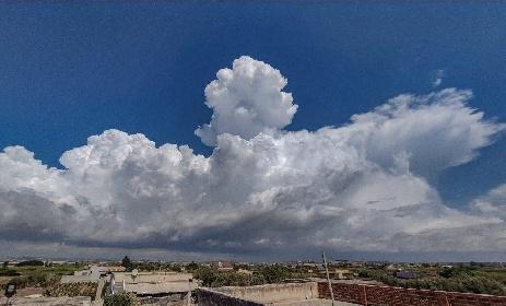 https://www.ragusanews.com//immagini_articoli/14-09-2021/1631601887-la-strega-la-medusa-e-altri-disegni-delle-nuvole-ragusane-foto-7-280.jpg