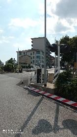 https://www.ragusanews.com//immagini_articoli/14-09-2021/1631606666-ragusa-auto-investe-e-divelle-sbarra-del-passaggio-a-livello-foto-1-280.jpg