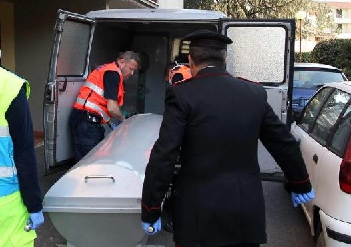 https://www.ragusanews.com//immagini_articoli/14-09-2021/comiso-uomo-trovato-morto-in-casa-500.jpg