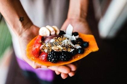 https://www.ragusanews.com//immagini_articoli/14-09-2021/dieta-e-spuntini-cosa-mangiare-e-cosa-evitare-per-non-prendere-peso-280.jpg